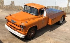 When it comes to moving vintage cars from place to place, a modern car carrier can look far too new for the hardware it's responsible for ferrying. 1955 Chevy, 1955 Chevrolet, Classic Chevrolet, Gmc Pickup Trucks, Gm Trucks, Tow Truck, Car Carrier, Panel Truck, Heavy Truck