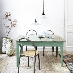 Table vert clair vintage light green table and chairs. Table And Chairs, Dining Table, Wood Table, Table Lamp, Rustic Table, Dining Rooms, Rustic Decor, Table Verte, Muebles Home