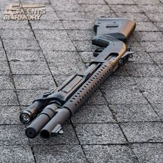 Combat Shotgun in the Morning Sun - Mossberg - Weapons Lover