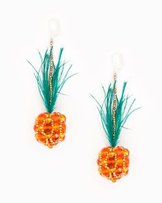 ✓ Pineapple earrings ✓ Brass torches, silver plated ✓ No nickel and no lead ✓ handcrafted Length: 9 cm As a gift, it will surely impress and it is suitable for many different occasions: Pineapple Delight, Pineapple Earrings, Statement Earrings, Boho Chic, Unique Jewelry, Handmade Gifts, Model, Etsy, Pineapple