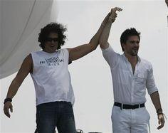 Solidaridad. Carlos Vives  y Juanes han participado en conciertos por la paz y de diversas actividades benéficas en su natal Colombia. ¿Quién es más solidario con su país?RELACIONADO: Famosos generosos
