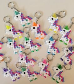 Ähnliche Artikel wie Unicorn Keychain Party Packs auf Etsy The Effective Pictures We Offer You About Beading brazalet A quality picture can tell you many things. Hama Beads Design, Diy Perler Beads, Hama Beads Patterns, Perler Bead Art, Pearler Beads, Fuse Beads, Beading Patterns, Unicorn Birthday Parties, Unicorn Party