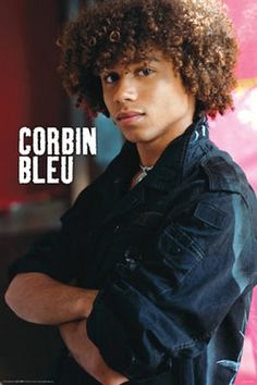 7 Crazy Curly Hairstyles for Black Men in 2018 - Men who aspire to look like a handsome heartthrob while keeping it classy, usually opt for a style they can nail and show their potentials through it. Blonde Curly Hair, Black Curly Hair, Curly Hair Men, Long Curly, Curly Hair Styles, Black Men Hairstyles, African Hairstyles, Hairstyles With Bangs, Weave Hairstyles