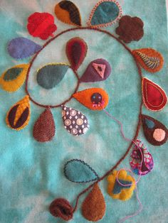 by the amazing sue spargo Wool Applique Patterns, Felt Applique, Applique Quilts, Print Patterns, Fabric Art, Fabric Crafts, Wool Quilts, Wool Art, Penny Rugs
