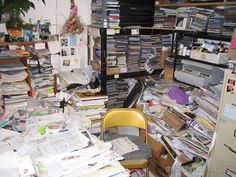 Control your paper nightmare and stop it controlling you. Here are My Office Books Bookkeeping seven tips on getting on top, once and for all. Receipt Organization, Office Organization At Work, Storage Organization, Organization Ideas, Home Office Space, Small Office, Home Office Design, Business Storage, Farmhouse Office