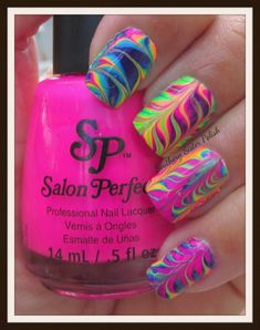 Southern sister polish water marble.................... With no water! >> this is soooooooo fun! Did this the other day... D it turned out beautifully! Doing it again! Neon Nail Art, Neon Nails, Diy Nails, Bright Nail Art, Colorful Nails, Rainbow Nails, Fancy Nails, Cute Nails, Pretty Nails