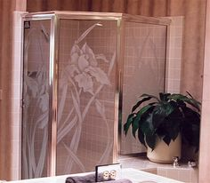 Iris In Bloom - Etched Glass Shower by Sans Soucie Art Glass. Glass Shower Enclosures, Glass Shower Doors, Sandblasted Glass, Etched Glass, Custom Glass Etching, Illumination Art, English Country Decor, Custom Shower, Showers