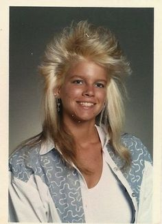 hairstyles 30 Outstanding Hairstyles That You Can Almost Smell the Aqua Net Hairspray Bad Hair Day, Big Hair, 80s Mullet, Power Dressing, Pelo Retro, Mullet Haircut, Awkward Photos, Trend Fashion, 80s Fashion