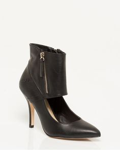 Faux Leather Ankle Cuff Shootie - These leather-like shooties complete with wide ankle cuff will complete your edgy footwear collection. T Shirt And Jeans, Look Chic, Fall Trends, Pumps, Heels, Karl Lagerfeld, Personal Style, Cool Outfits, Footwear