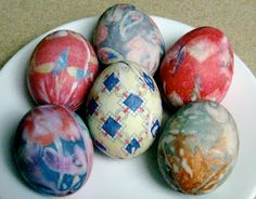 Jany Claire: Easter eggs dyed with silk ties