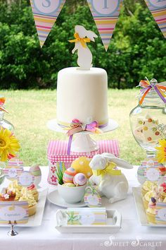 Easter Dessert Table Decorations - Spring, Easter Party Ideas Spring easter party via Kara's Party Ideas Hoppy Easter, Easter Bunny, Easter Eggs, Bunny Party, Diy Ostern, Easter Parade, Festa Party, Spring Party, Easter Table