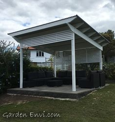 Roofed pergola with screening at front and back. Garden Envi provides besoke pergola designs for the Brisbane and Queensland South East Region. Gazebo Roof, Pergola On The Roof, Timber Pergola, Timber Roof, Gazebo Pergola, White Pergola, Wooden Pergola, Pergola Shade, Pergola Plans