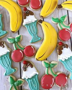 """301 Likes, 8 Comments - Bobbi Barton (@bobbiscookies) on Instagram: """"With summer in full swing, it has me wanting fresh fruit and ice cream! I think these cookies by…"""""""
