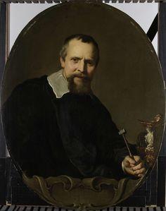 Jacob Adriaensz. Backer | Portrait of Johannes Lutma, Jacob Adriaensz. Backer, 1638 - 1651 | Portret van Jan Lutma, zilversmid te Amsterdam. Ten halven lijve met een hamer in de hand bij een tafel waarop een zoutvat en een beker met ponsen staan. Pendant van SK-A-3517, het portret van zijn vrouw met wie hij in 1638 was gehuwd.