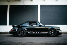 We at Elferspot Magazine are constantly looking for exciting vehicles and their history behind them. Of course, we are particularly interested in the people who, driven by love and passion, turn these cars into special vehicles. This time we were allowed to talk to Carl, who owns a very special Porsche 964. Hello Carl! Thank […]