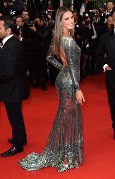 Con escote en la espalda glamurosa y elegante