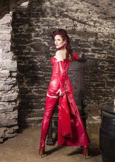Lederatelier Miceli - Maßanfertigung in Leder Latex, Leder Outfits, Leather Dresses, Dress With Boots, Kinky, Red Leather, Bodycon Dress, Formal Dresses, Sexy