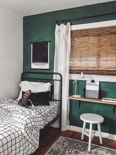 55 Ideas wall decored bedroom college boy for 2019 Green Bedroom Walls, Bedroom Wall Colors, Home Decor Bedroom, Kids Bedroom, Green Bedrooms, Wall Colours, Bedroom Ideas, Green Boys Room, Green Wall Color