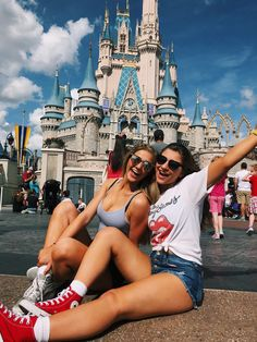 Disney with your bestie iS the best-🌸 Disney con tu mejor amiga es lo mejor_🌼 Cute Disney Pictures, Disney World Pictures, Travel Pictures, Disney World Fotos, Disney World Trip, Disney Trips, Bff Pics, Disneyland Photos, Disneyland Trip