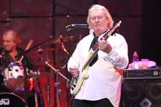 YES' Chris Squire