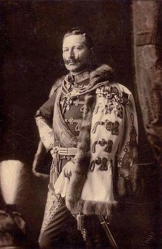 Kaiser Wilhelm : grandson of Queen Victoria