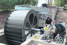Neues Wasserrad an der Springmühle. Water Wheel Generator, Diy Generator, Power Generator, Thermoelectric Generator, Alternative Energie, Water Turbine, Hydroelectric Power, Water Energy, Water Powers