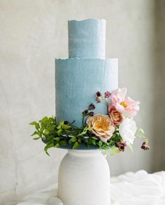Way to make it to the weekend.I think we all deserve some cake! Photo by styling by cake by Way to make it to the weekend.I think we all deserve some cake! Photo by styling by Taylor Dawn cake by Black Wedding Cakes, Amazing Wedding Cakes, Blue Wedding, Amazing Cakes, Pretty Cakes, Beautiful Cakes, Fresh Flower Cake, Flower Cakes, Wedding Cake Inspiration