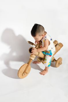 A bamboo tricycle by a21studĩo.