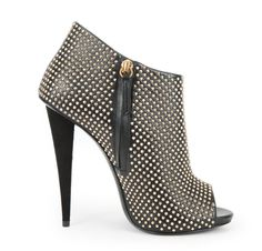 Guiseppe Zanotti Studded Bootie Cute Shoes, Me Too Shoes, Ankle Heels, Walking Boots, Kinds Of Shoes, Shoe Game, Designer Shoes, Heeled Mules, Fashion Shoes