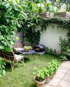 Havetips::: Sådan skaber du rum i din have - Dorthe Kvist Back Gardens, Small Gardens, Outdoor Gardens, Cozy Backyard, Backyard Landscaping, Dream Garden, Home And Garden, Garden Styles, Garden Planning