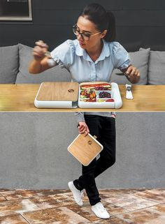 Fittbo is raising funds for Fittbo - An Innovative Lunchbox on Kickstarter! Designed to fit in our daily bags. It's slim, thermo-insulated, leakproof, easy to use and clean. Cool Kitchen Gadgets, Home Gadgets, Cooking Gadgets, Cool Kitchens, Lunchbox Design, Lunch Box Containers, Cool Inventions, Industrial Design, Packaging Design