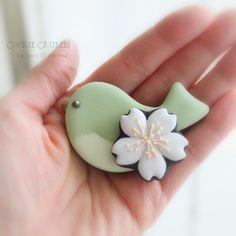 桜とトリさんのクッキー   ~Cookie Crumbs~クッキー・クラムズのアイシングクッキー