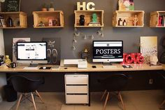 Modern Home Office Design is no question important for your home. Whether you choose the Home Office Design Modern or Corporate Office Decorating Ideas, you will make the best Corporate Office Interior Design for your own life. Office Lounge, Home Office Setup, Guest Room Office, Home Office Space, Industrial Office Design, Office Interior Design, Office Interiors, Art Studio At Home, Trendy Home