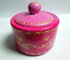"""Sucrier  Série """"Pink outside""""  Peinture pour porcelaine sur porcelaine  Magali Van de Wiele"""