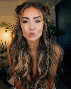 "Coachella Hair on Pia Muehlenbeck using a mixture of Ombre Chestnut and Ombre Bl. "" Boho Hairstyles, Coachella Hair on Pia Muehlenbeck using a mixture of Ombre Chestnut and Ombre Blonde Luxy Hair extensions. xo Source by luxyhair. Summer Hairstyles, Pretty Hairstyles, Festival Hairstyles, Hairstyle Ideas, Updos Hairstyle, Concert Hairstyles, Bun Updo, Coachella Hairstyle, Boho Hairstyles For Long Hair"