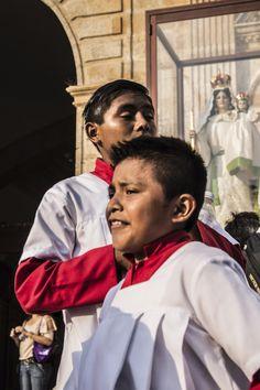"""©El ojitos y Felipe, de la serie: """"Los niños de dios"""" 8 de Octubre de 2013 Campeche, Camp; México."""