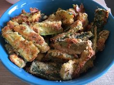 Game Day Snack - Baked Zucchini Sticks: Are we all ready for another crazy game day!! Because I am!! Go cheer for the warriors and snack on something yummy with us @Tasty Shenanigans! Gobble Gobble!!