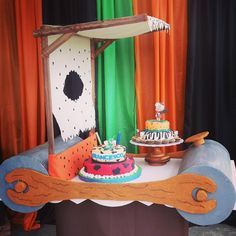 Ideas for bam bam bam piñata - Celebrat : Home of Celebration, Events to Celebrate, Wishes, Gifts ideas and more ! Twin Birthday Parties, Baby 1st Birthday, Birthday Photos, Pebbles Y Bam Bam, Pebbles Flintstone, Beautiful Birthday Cakes, Girl Decor, Bambam, Birthday Decorations