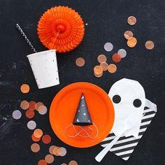 "Ghost napkins + ""merlin"" hats"