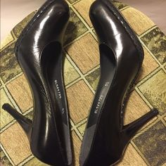 """Stuart Weitzman for Russell & Bromley 3"""" heels. Stuart Weitzman for Russell & Bromley 3"""" heels. Bought from London. UK size 5.5. But fit like US size 6. Wore once. Great condition. Stuart Weitzman for Russell & Bromley Shoes Heels"""