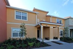 4 bedroom town home located just 3 miles to Disney World