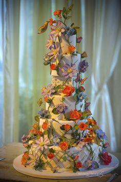 Hummingbird Garden Wedding Cake {Truli Confectionary Arts, Evantine Design, Photo: Melissa Mermin}