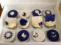 Navy and white cupcakes