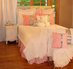 Glitz & Glamour Pink Twin Bedding Collection