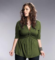loving this green twist top