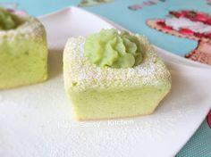 Pandan Kaya Cupcakes http://platepalate.blogspot.se/2016/02/pandan-kaya-cupcakes-by-angela-seah.html?m=1
