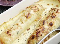 Οι σπιτικές κρέπες, στο φούρνο, είναι από τα κλασικά αγαπημένα που, λίγο μας θυμίζουν κάτι γιορτι... Greek Recipes, Crepes, Starters, Mashed Potatoes, Macaroni And Cheese, Food To Make, Zucchini, Food And Drink, Pizza