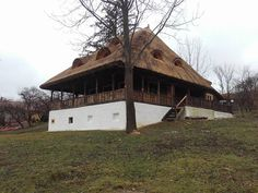 Rural House, Vernacular Architecture, Traditional House, Country Life, Old Houses, Romania, Exterior, House Design, Cabin