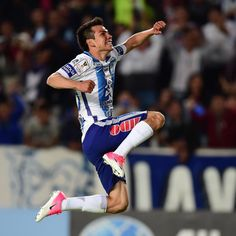"""Mexico striker Hirving Lozano has expressed his desire to join Manchester United . Per The Mirror 's Darren Lewis , the Pachuca forward said: """"I believe many [leagues] are beautiful, I like the English and the Spanish very much. Pachuca Fc, Manchester United Transfer News, Fc Barcelona, Opportunity, Soccer, The Unit, Sporty, Profile, Football"""