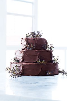 Chocolate Wedding Cakes More chocolate wedding cake Rustic Chocolate Wedding Cakes Wedding Cake Rustic, Cool Wedding Cakes, Wedding Cake Designs, Gorgeous Cakes, Pretty Cakes, Amazing Cakes, Chocolates, Sweet Paul, Cake Trends